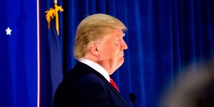 Trump_view_from_side_December_2015-800x400